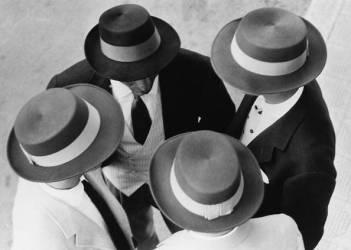 ITALIAN HATS (Hulton Archive) - Muzeo.com