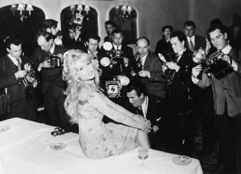 1959, LONDON, BRIGITTE BARDOT (KEYSTONE-FRANCE) - Muzeo.com