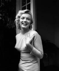 HAPPY MARILYN (Evening Standard) - Muzeo.com