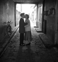 Lovers in paris 1965 (Bloncourt Gérald) - Muzeo.com