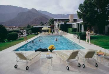 Kaufmann Desert House (Slim Aarons) - Muzeo.com
