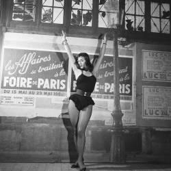 Publicité pour la Foire de Paris, 1950 (REPORTERS ASSOCIES) - Muzeo.com