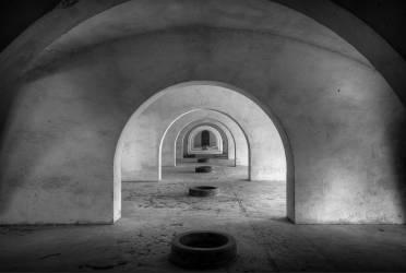 Afghanistan, Kabul, burqa-clad woman (Marai Shah) - Muzeo.com