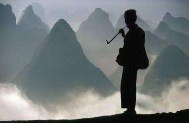 China - Guangxi province - Hill of Yangshuo (Alessandra Meniconzi) - Muzeo.com