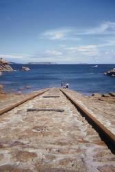 Des rails dans l'océan. (Siran Jerome) - Muzeo.com
