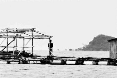 Facing the sea – Cambodia (Lacène Chrystèle) - Muzeo.com