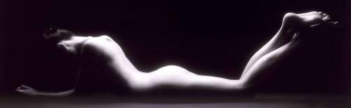 B&W nude woman (Rick Gayle) - Muzeo.com