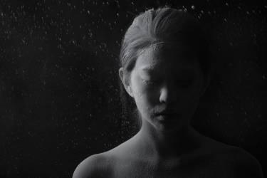 Jeune femme couverte de poudre (Zhenikeyev Arman) - Muzeo.com