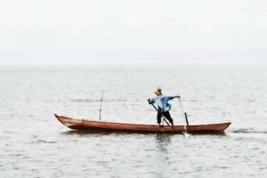 The canoe - Cambodia (Lacène Chrystèle) - Muzeo.com