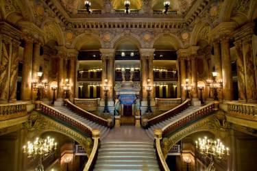 The interior of the Opera Garnier in Paris (Sylvain Sonnet) - Muzeo.com