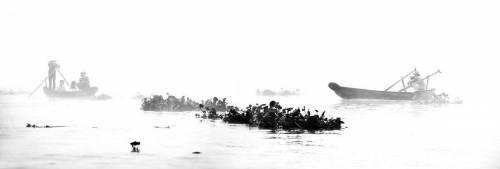 Mekong Mist - Two canoes - Vietnam (Lacène Chrystèle) - Muzeo.com