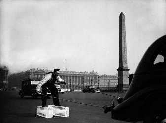 CURIOSITE 1938 : LA GLACE DE LA CONCORDE (KEYSTONE-FRANCE) - Muzeo.com