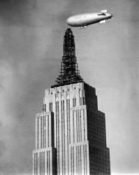 Dirigeable amarré à l'Empire State Building (anonyme) - Muzeo.com
