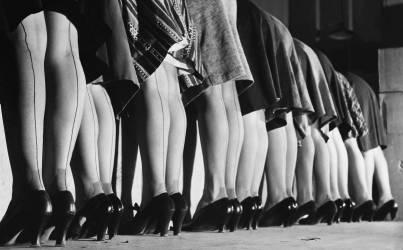 JANUARY 14TH 1946, UNITED STATES, FASHION, STOCKINGS PRESENTATION (KEYSTONE) - Muzeo.com