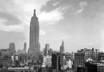 NEW YORK EMPIRE STATE BUILDING (Keystone) - Muzeo.com