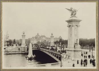 Exposition Universelle de 1900, Paris : pont Alexandre III (anonyme) - Muzeo.com
