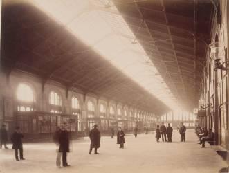 Gare Saint-Lazare : grande salle des Pas Perdus de la banlieue (Durandelle Louis-Emile) - Muzeo.com