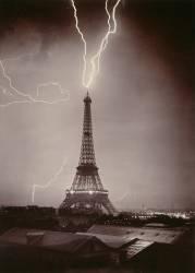 La Tour Eiffel foudroyée (Gabriel Loppé) - Muzeo.com