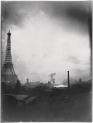 la Tour Eiffel dans le soleil couchant (Loppé Gabriel) - Muzeo.com