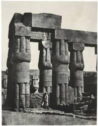 Thèbes. Louqsor. Groupe de colonnes dans le Palais (Du Camp Maxime) - Muzeo.com
