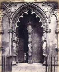 Lichfield : the West Porch (Roger Fenton) - Muzeo.com