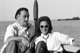 Cadaques : Salvador Dali at home, with his wife (Giancarlo Botti) - Muzeo.com
