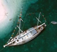 Charter Ketch (Slim Aarons) - Muzeo.com