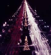 Christmas Traffic (Aarons Slim) - Muzeo.com