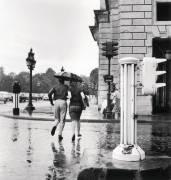 LA PLUIE A PARIS EN ETE 1963 (KEYSTONE-FRANCE) - Muzeo.com