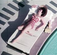 Mara Lane At The Sands (Slim Aarons) - Muzeo.com
