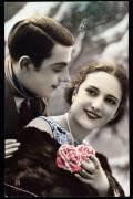 Couple avec fleurs - carte de voeux (anonyme) - Muzeo.com
